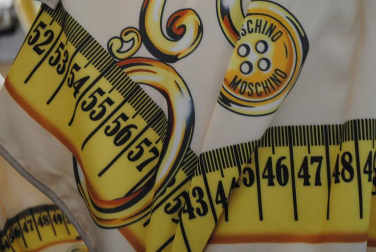 Moschino Cream Scissors Coins Measuring Tape Umbrella NWOT 5