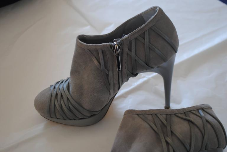 Christian Dior Grey Velvet Leather ankle boot In Good Condition For Sale In Capri, IT