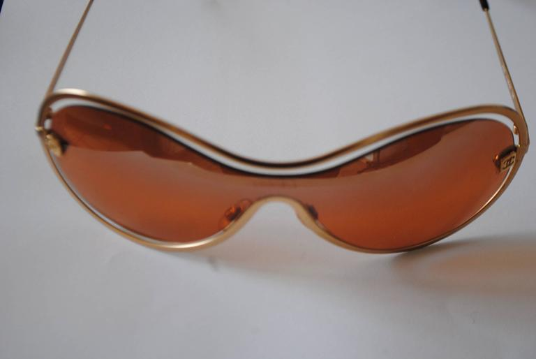 Chanel Peach Gold Sunglasses  Totally made in italy  Mod. Code: 4030 c 138/60 125  See carefully pictures as vintage items can have signs of use