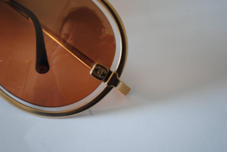 Chanel Peach Gold Sunglasses In Good Condition For Sale In Capri, IT