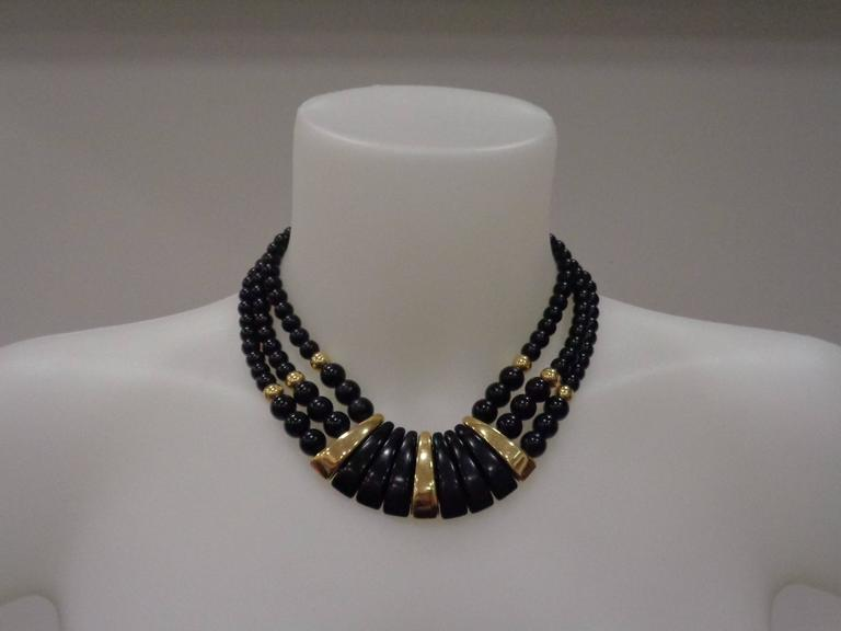 Napier Black Gold Stone Necklace In Excellent Condition For Sale In Capri, IT