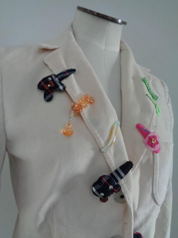Moschino Jeans White cotton Jacket Embellished with hair clips all over with different designs  Totally made in italy in size 46  Composition cotton