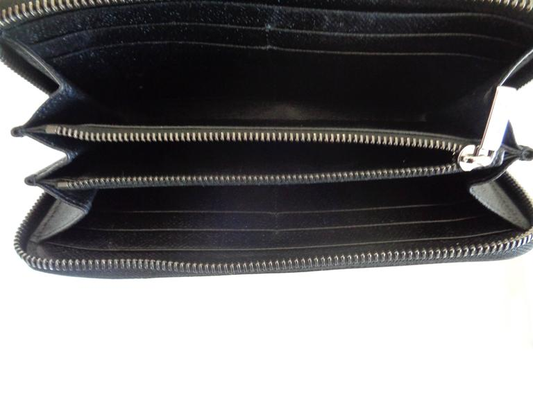 Tod's Black Leather Silver Hardware Wallet In New Condition For Sale In Capri, IT