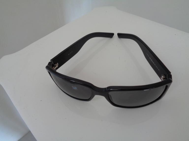 Gucci black sunglasses In Excellent Condition For Sale In Capri, IT