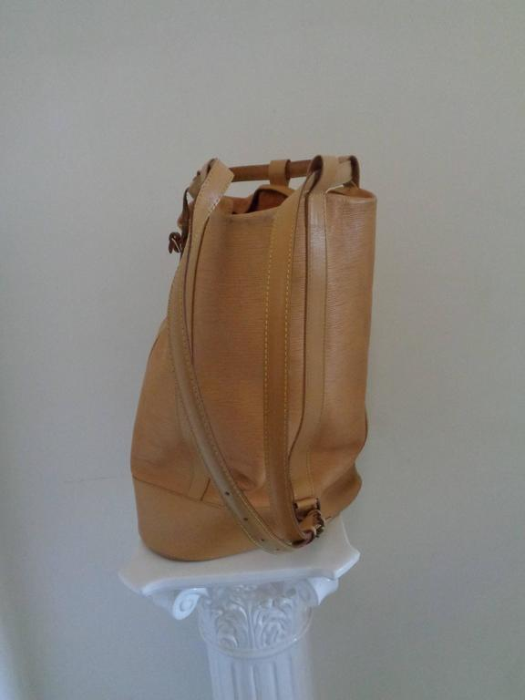Louis Vuitton Epi Beije Leather Backpack Satchel In Good Condition In Capri, IT