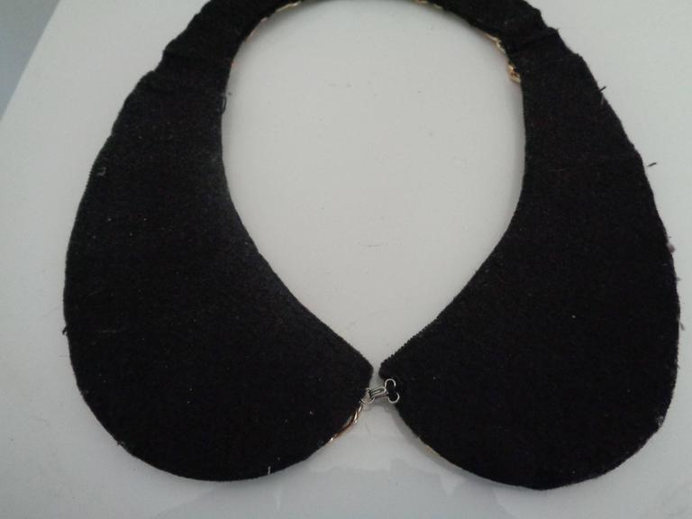 1980s Black Gold tone with Faux white and Grey pearls necklace necking 3