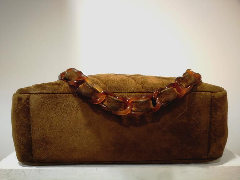 Chanel brown suede baguelite shoulder bag In Good Condition For Sale In Capri, IT
