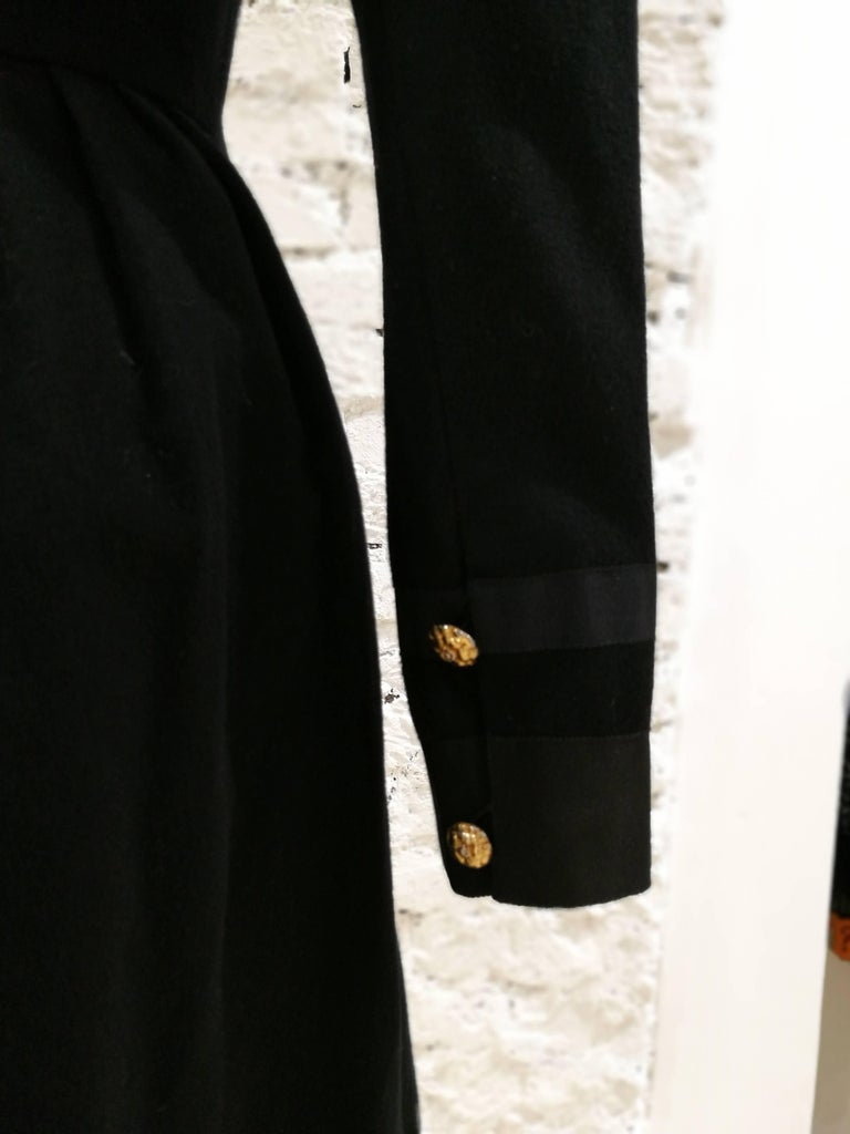 Chanel black wool gold tone bottons dress  In Excellent Condition For Sale In Capri, IT