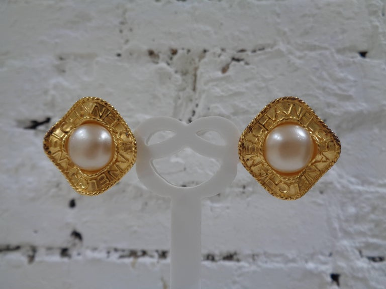 Chanel gold tone faux white pearls clip on earrings totally made in france  measurements 2.5 cm x 2.5 cm