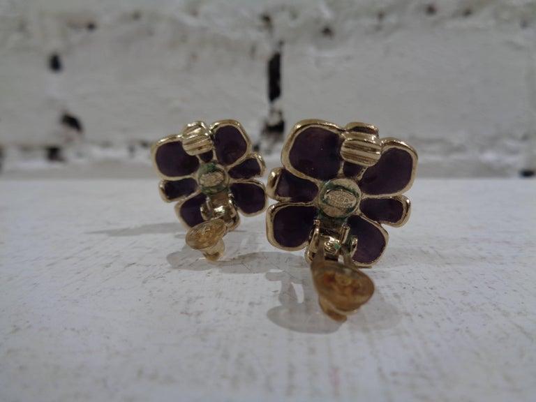 Women's or Men's Chanel purple silver tone cc logo flower clip on earrings For Sale