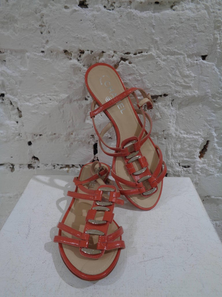 Chanel pink leather sandals made in italy in size 36.5