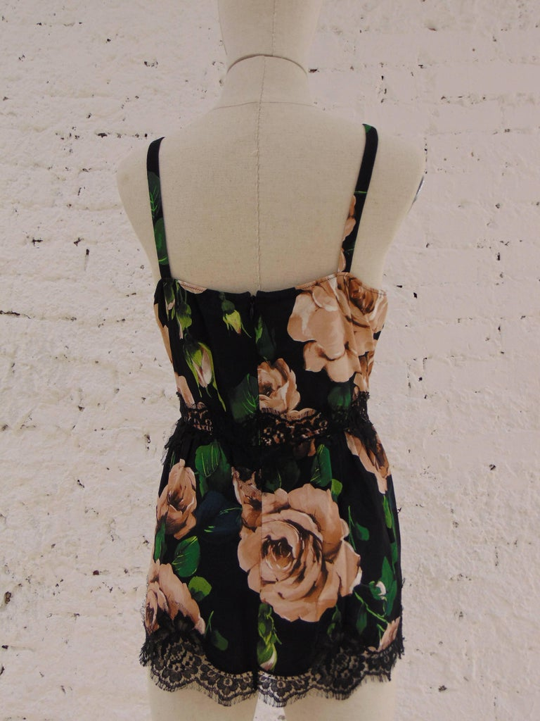 Dolce & Gabbana vintage flower top In Excellent Condition For Sale In Capri, IT