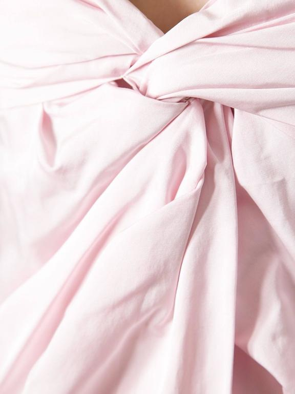 Giambattista Valli Paris pink dress made in Italy in 40 size, which corresponds to an xs Standard Size range.