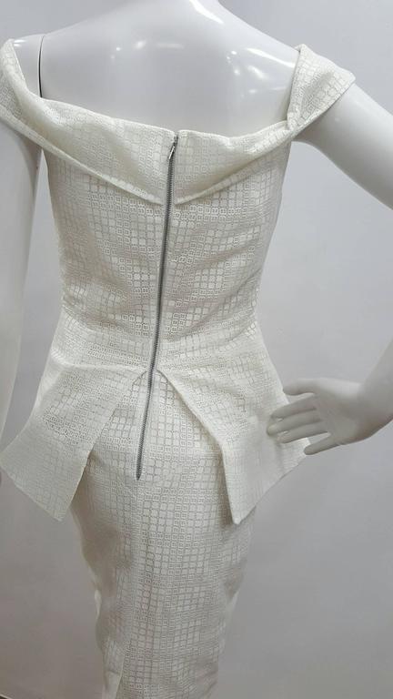 1990s Antonio Berardi White Dress In italian size range 42 65% poliester 35% cotton