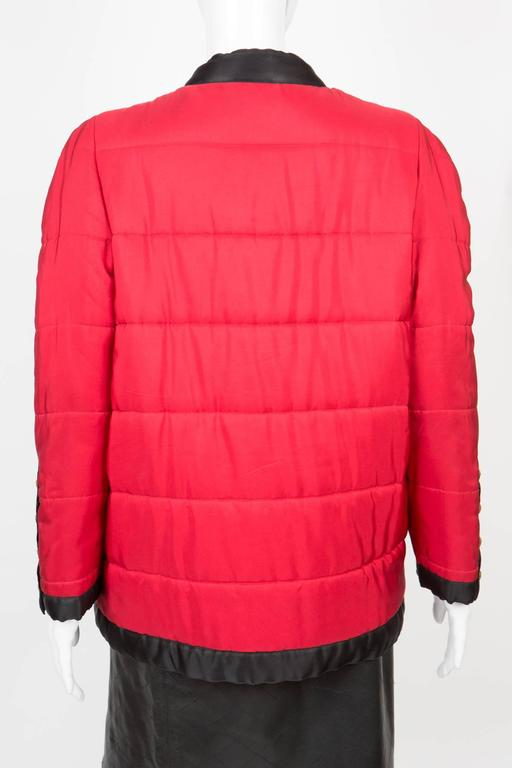 Chanel Red Padded Silk Coat  In Excellent Condition For Sale In Paris, FR