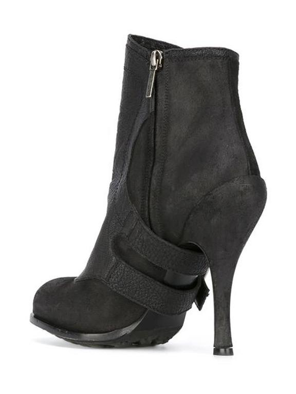 Dior Black Leather Buckled Booties In Excellent Condition For Sale In Paris, FR
