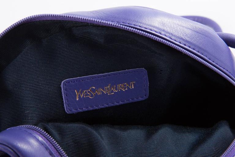 Gorgeous Saint Laurent Purple Leather Shoulder Bag For Sale 2