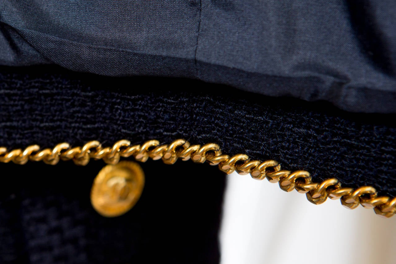 1990s Chanel Classic Dark Navy Wool Boucle Jacket 7