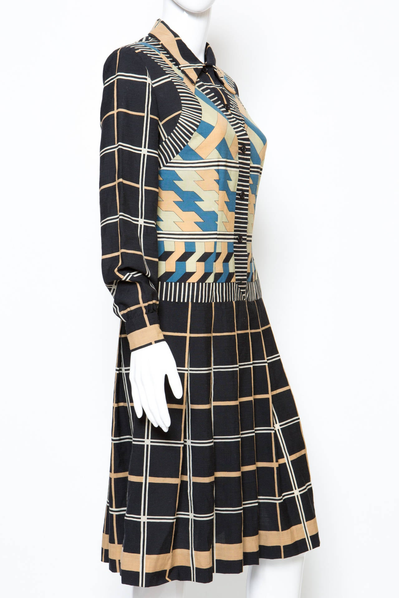 1970s Lanvin Printed Dress In Good Condition For Sale In Paris, FR
