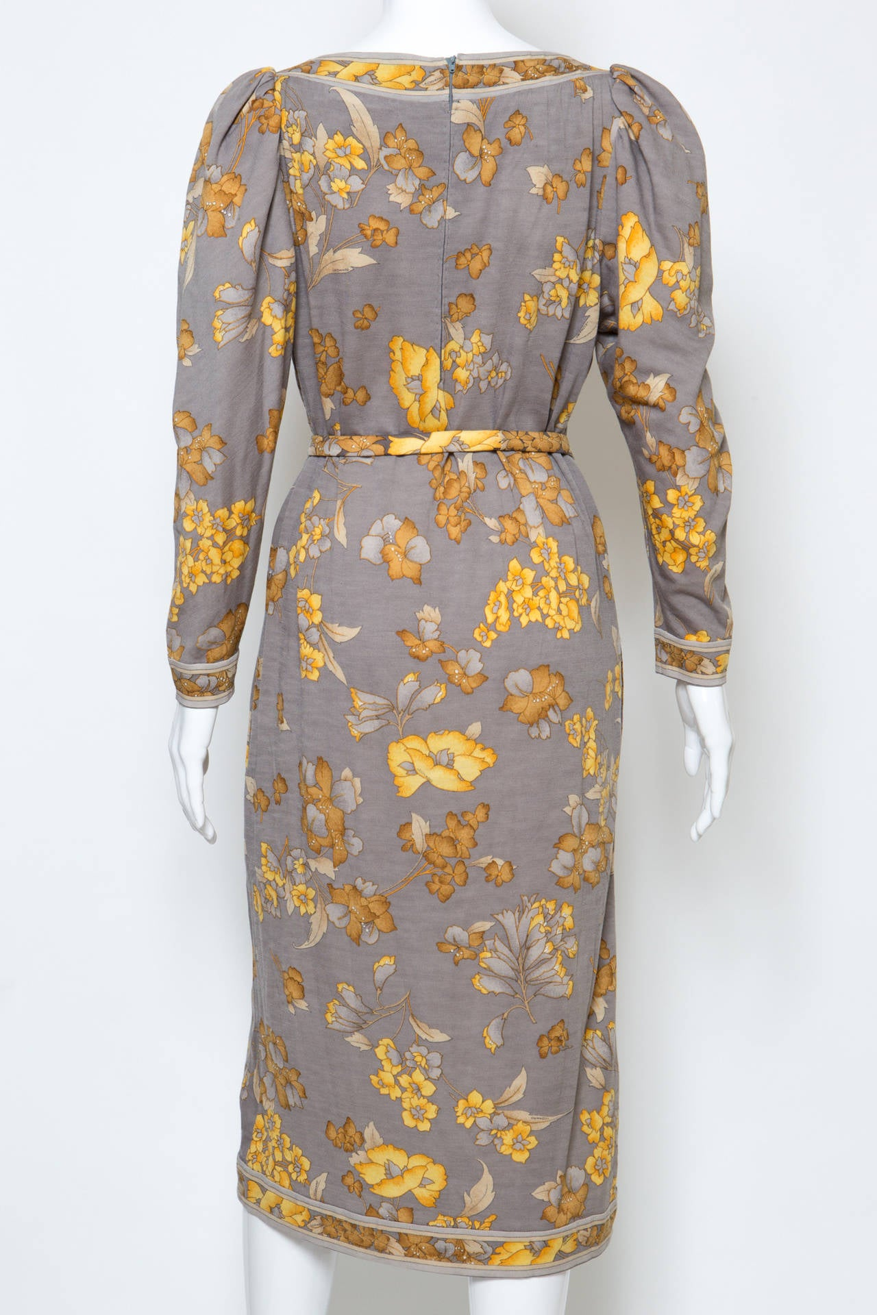 1970s Leonard Printed Dress In Good Condition For Sale In Paris, FR