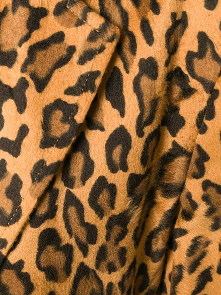 Moschino Leopard Animal Print Blazer In Excellent Condition For Sale In Paris, FR