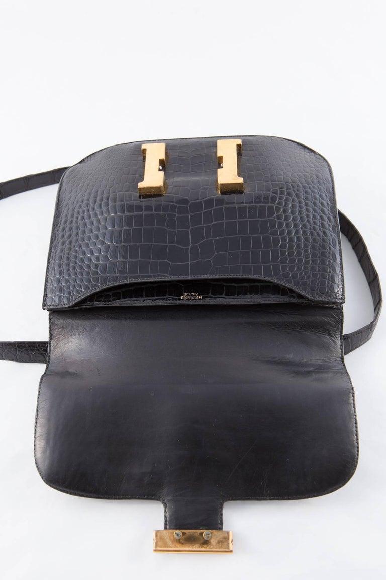 1960s Black Hermes Constance H Shoulder Bag In Excellent Condition For Sale In Paris, FR