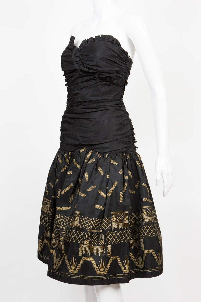 Zandra Rhodes  Silk Taffeta Black and Gold Painted Evening Dress In Excellent Condition For Sale In Paris, FR