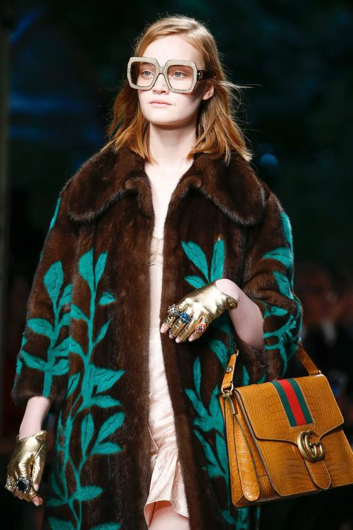 1970s Rare Gucci Camel Bag 7