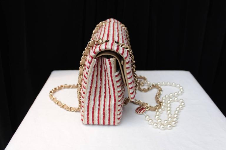 2014 Chanel Timeless White and Red stripes handbag with Faux Pearls Handle For Sale 1
