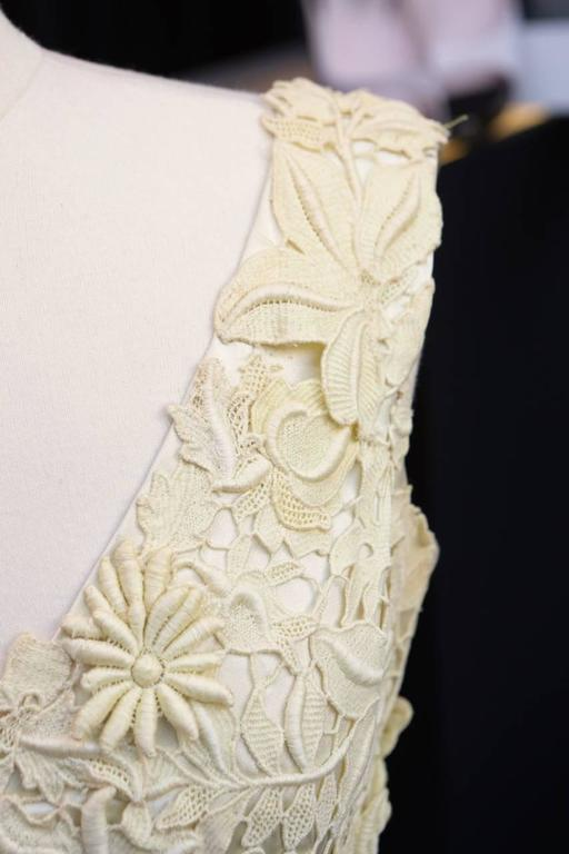 Jean Patou Haute Couture Beige Guipure and Tulle Evening Dress, 1950s  For Sale 3