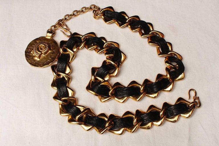Beige 1980s, Yves Saint Laurent black leather and gilded metal belt For Sale