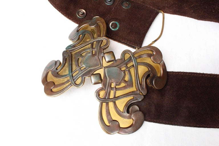 Women's 1970s Yves Saint Laurent wide brown suede belt with butterfly buckle For Sale