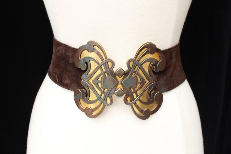 Brown 1970s Yves Saint Laurent wide brown suede belt with butterfly buckle For Sale