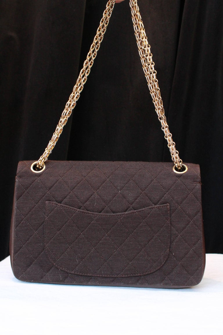 "1970-1980s Chanel ""Timeless"" brown bag In Fair Condition For Sale In Paris, FR"
