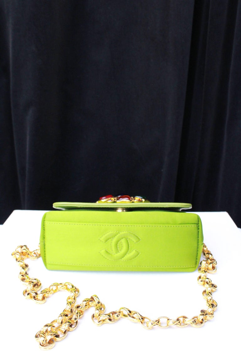 Chanel green satin jewel evening bag For Sale 1