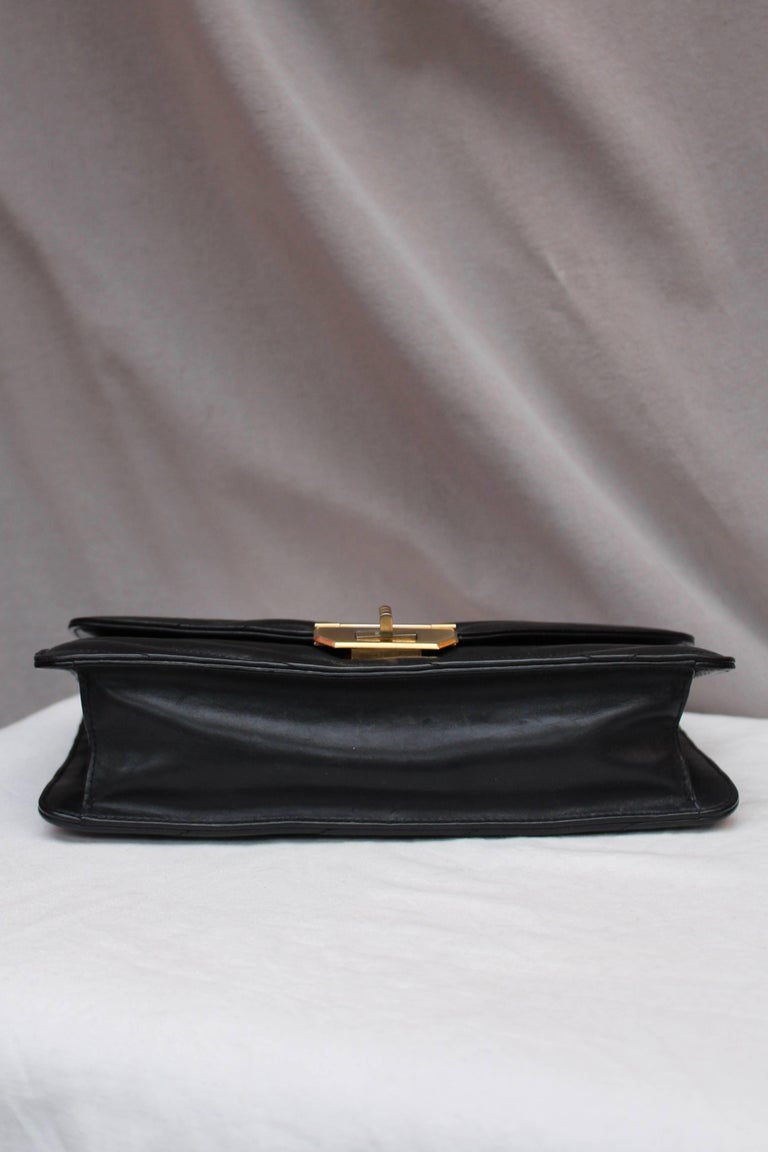 Chanel quilted black leather bag For Sale 1