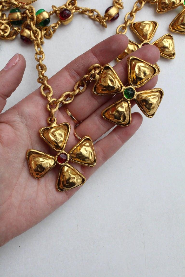 1980s Chanel gilded metal choker with Maltese cross pendants 5
