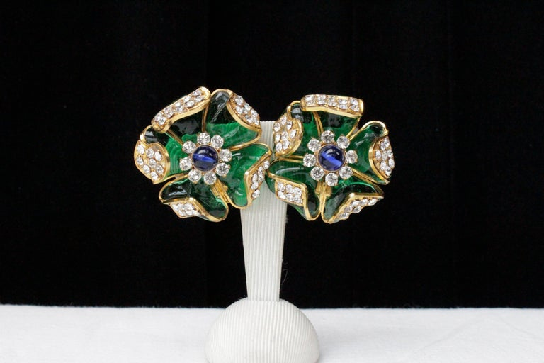 1980s Chanel exceptional glass paste demi-parure from Gripoix workshop For Sale 1