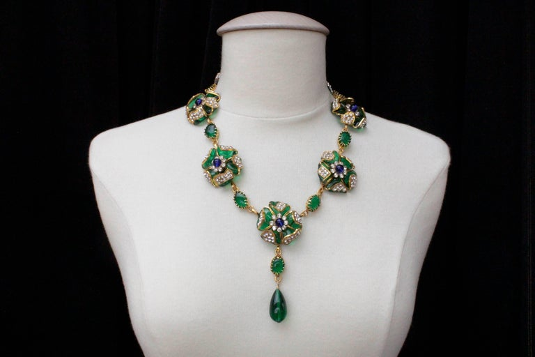 1980s Chanel exceptional glass paste demi-parure from Gripoix workshop In Excellent Condition For Sale In Paris, FR