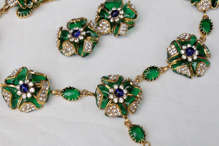 1980s Chanel exceptional glass paste demi-parure from Gripoix workshop For Sale 4