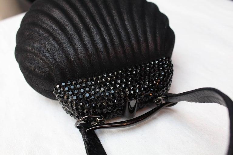 "Rodo small black ""shell"" handbag, 1980s For Sale 3"