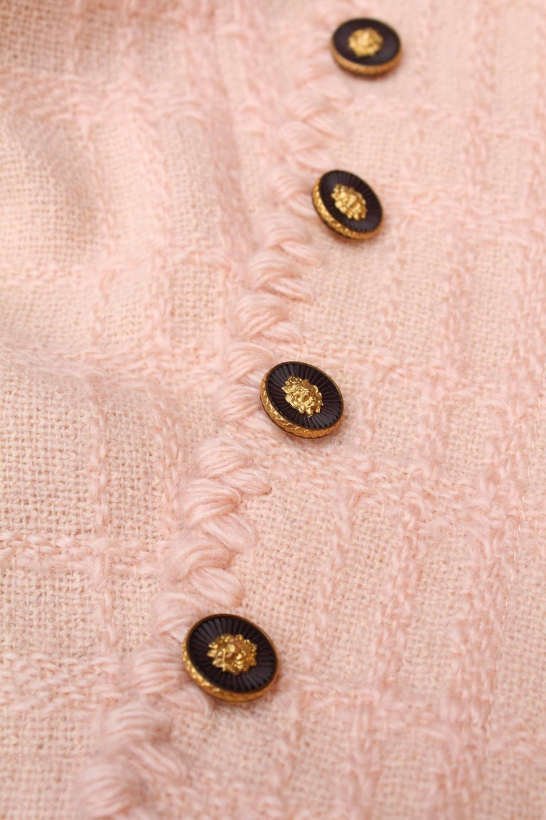 Chanel Haute Couture light pink wool skirt set, 1960s  For Sale 2