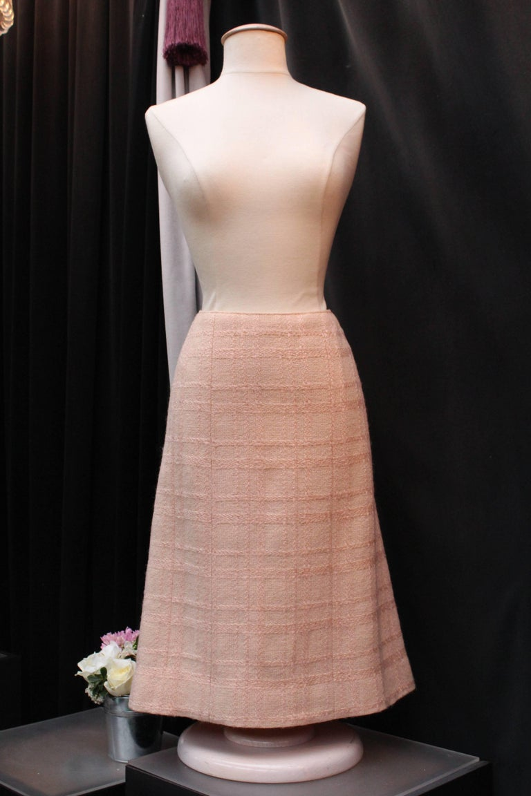 Chanel Haute Couture light pink wool skirt set, 1960s  For Sale 1