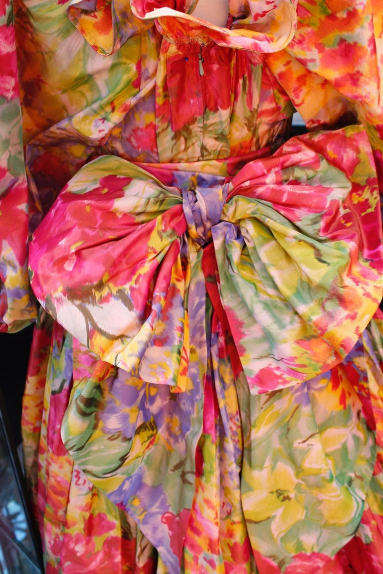 1990s Nina Ricci (attributed to) Opera dress with yellow red and green colors For Sale 2