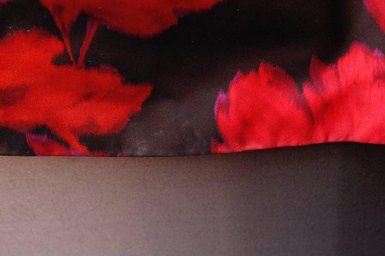 Nina Ricci taffeta opera dress with black and fuchsia floral pattern print, 1990 For Sale 8