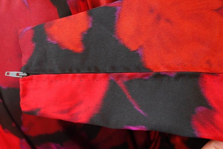 Nina Ricci taffeta opera dress with black and fuchsia floral pattern print, 1990 For Sale 9