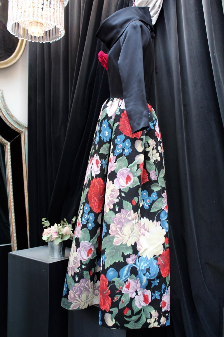 Women's Nina Ricci silk taffeta evening gown with floral print, 1980s  For Sale
