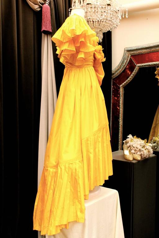 1975s Nina Ricci Haute Couture Yellow Taffetas Evening Dress 2