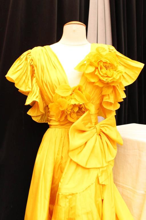 1975s Nina Ricci Haute Couture Yellow Taffetas Evening Dress 5