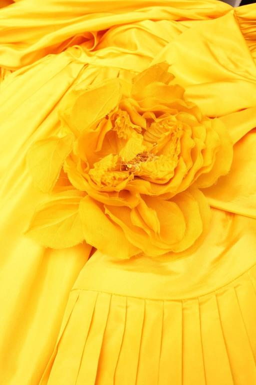 1975s Nina Ricci Haute Couture Yellow Taffetas Evening Dress 9